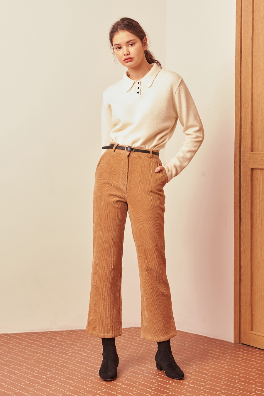 유라고 URAGO Ray Corduroy Pants