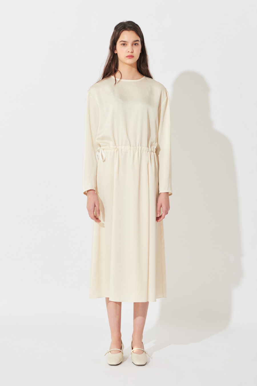 유라고 URAGO Shatin Plain Dress
