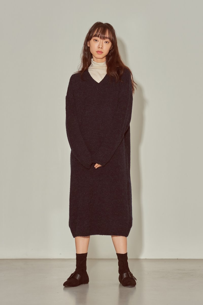 유라고 URAGO Alpaca V neck dress